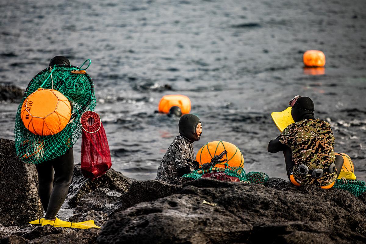 HAENYEO FEMALE DIVERS – JEJU ISLAND 🧜🏼♀️🥽🦑🥇, Shea Winter Roggio